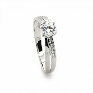A Stylish Zircon Engagement Ring in White Gold