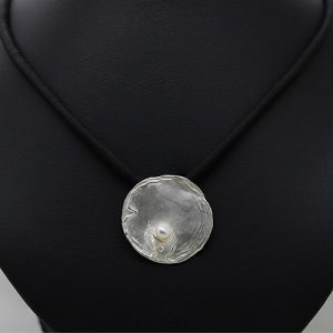 The Pearl Oyster Necklace