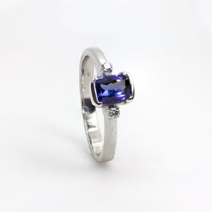 Rectangle Tanzanite Diamond Ring
