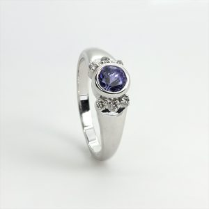 A Stunning Round Tanzanite Ring in 18ct White Gold With Real Diamonds