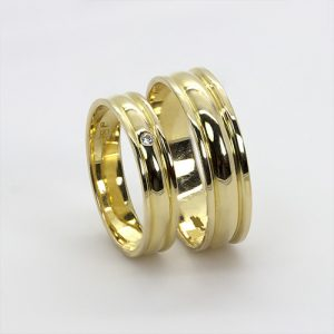 The Kilele Gold Wedding Bands