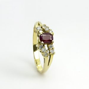 An Oval Ruby Diamond Ring