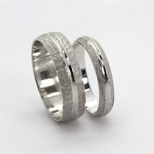 The Robuste Wedding Bands