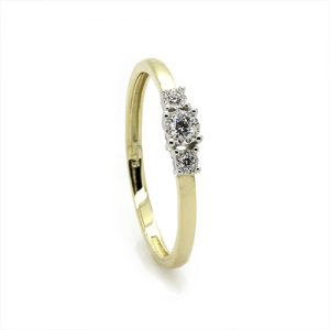 The Dainty Sbalorditivo Engagement Ring