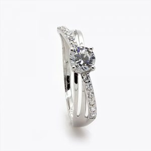 A Spectacular Zircon Engagement Ring In White Gold