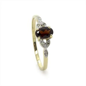 The Dainty Tgarnet Red Diamond Engagment Ring
