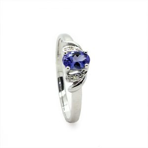 A Gorgeous Tanzanite Diamond Ring