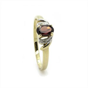 A Gorgeous Red Garnet Diamond Ring
