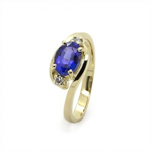 The Oval Tanzanite Gold Engagement Ring