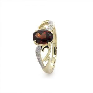 A Hearty Oval Red Garnet Ring