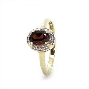 The Halo Garnet Red Ring