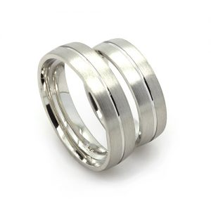 The Sleek Silver Wedding Bands