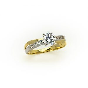 A Stylish Zircon Engagement Ring in Gold