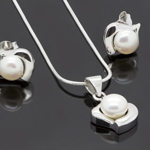 The Modern Pearl Pendant Necklace and Earring Set