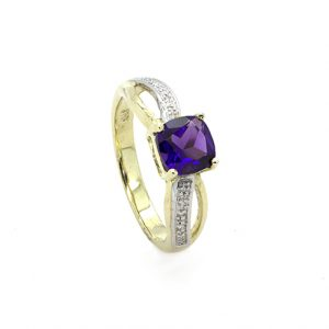 A Superb Amethyst and Diamond Engagement Ring