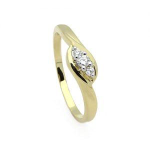 A Contemporary Diamond Engagement Ring
